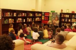 Contacontos na Sala infantil e xuvenil