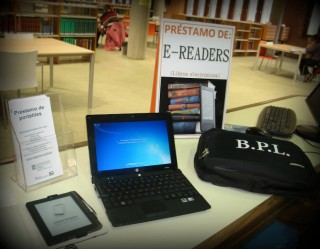 Préstamo de pótatiles e libros electrónicos